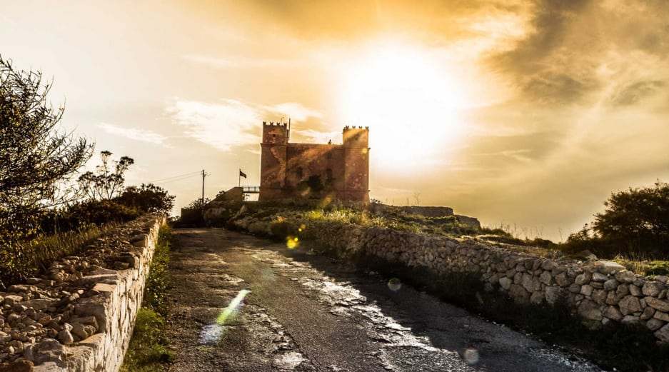 Hiking in Malta - Red Tower